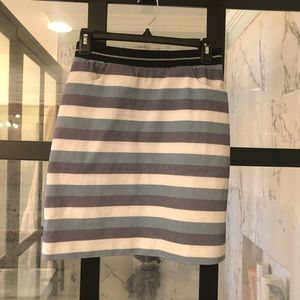 skirt with elastic and POCKETS!